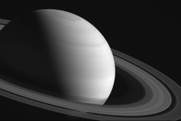 Vue de Saturne, photographiée à 2,7 millions de kilomètres de Cassini.