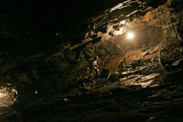 Illustration d'une mine de quartz. C'est dans ce minéral qu'ont été trouvés les microorganismes au Québec.