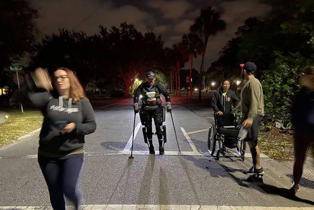 Il parcourt un marathon grâce à un exosquelette