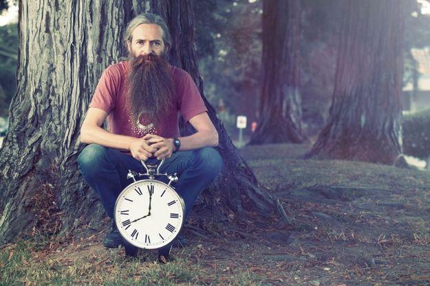« Le vieillissement massacre 100 000 personnes par jour. Il faut les sauver », prévient Aubrey de Grey, biogérontologue dans la Silicon Valley.