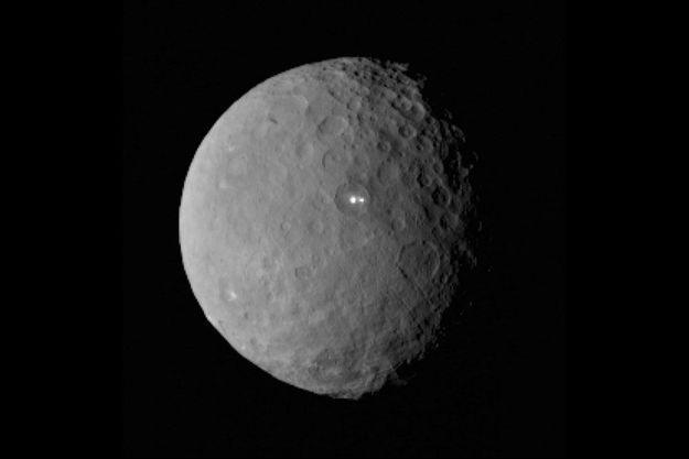 Cérès photographié par la sonde Dawn.