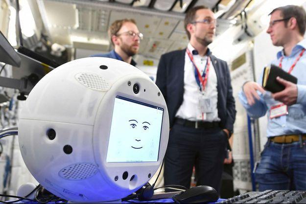 CIMON sera le premier robot d'intelligence artificielle à interagir avec des humains dans l'espace.