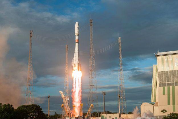 Le lanceur russe Soyouz à déposé deux satellites en orbite.