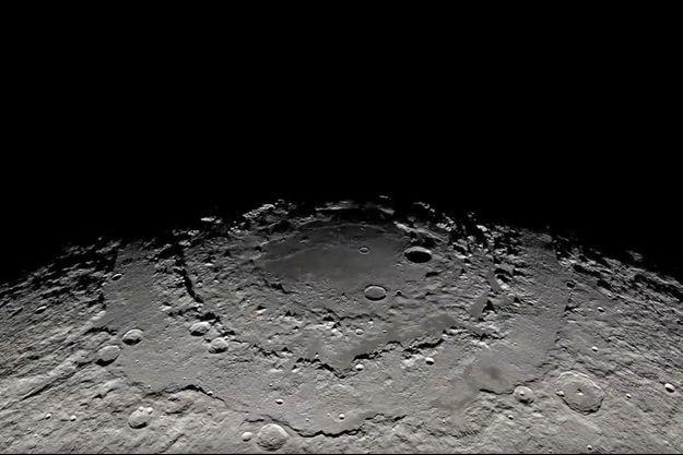 Les cratères de la Lune regorge d'eau sous forme de glace.