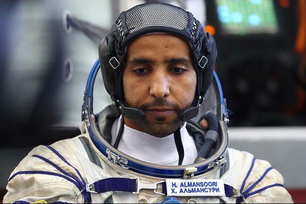 Hazza Al Mansouri, quelques heures avant de décoller vers l'iSS