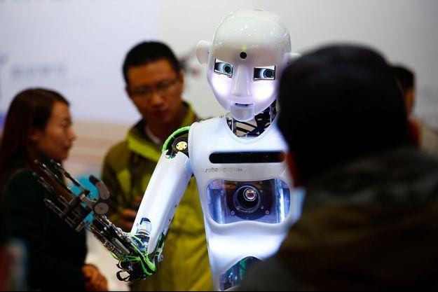 Un robot humanoïde photographié pendant le WRC 2016 World Robot Conference à Pékin