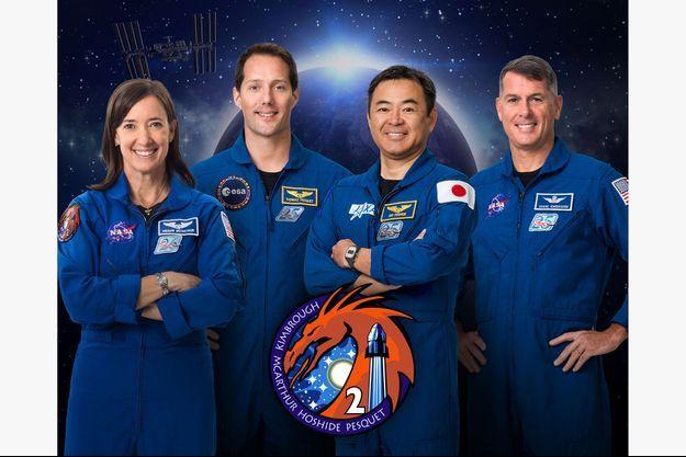 """Les membres de l'équipage """"Crew-2"""": Megan McArthur, Thomas Pesquet, Akihiko Hoshide et Shane Kimbrough."""