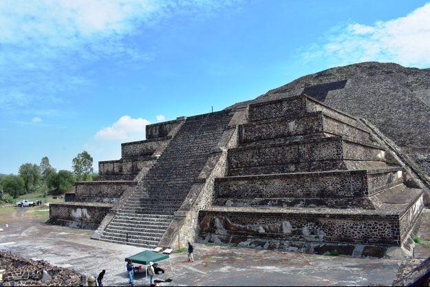 La pyramide de la Lune, dans la cité de Teotihuacán, au Mexique.