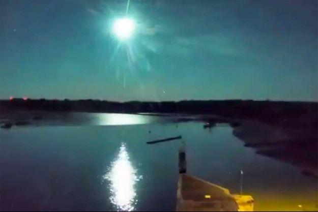 Le météore dans le ciel breton.