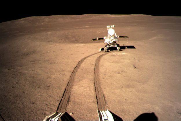 Le robot Yutu-2 a laissé ses premières traces sur la Lune.