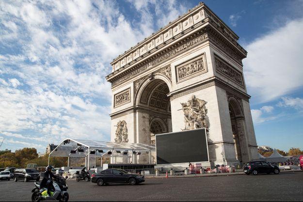 Des aménagements sont déjà en place à l'Arc de Triomphe à Paris.