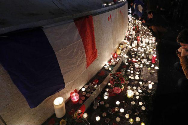 Hommages à Paris, le 13 novembre 2016.