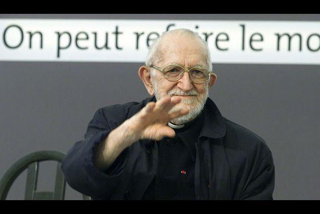 L'abbé Pierre est la héros des soixante dernières années le plus admiré par 51% de Français.