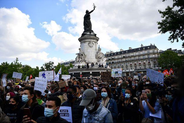 Place de la République à Paris, mardi soir.