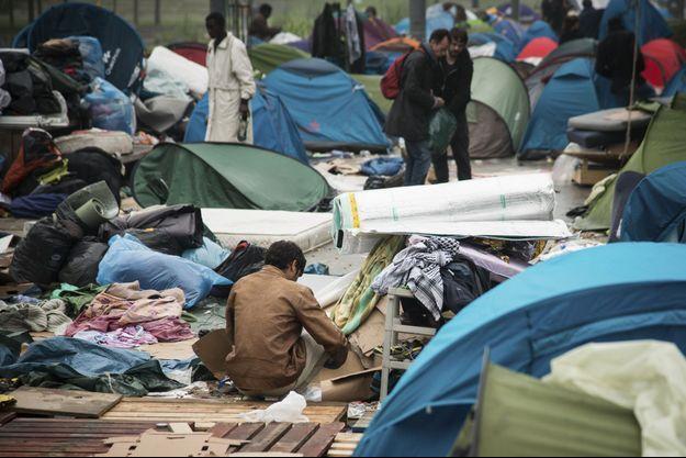 Le camp de réfugiés du jardin d'Eole dans le 18eme arrondissement de Paris.