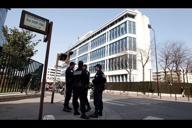 Le siège de la DCRI, où ont été emmenés Abdelkader Merah et son épouse