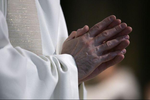 Un prêtre de 38 ans s'est donné la mort mardi dans son église à Rouen. (image d'illustration)