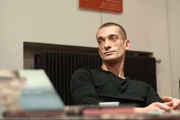 Piotr Pavlenski ici à Paris en 2016.