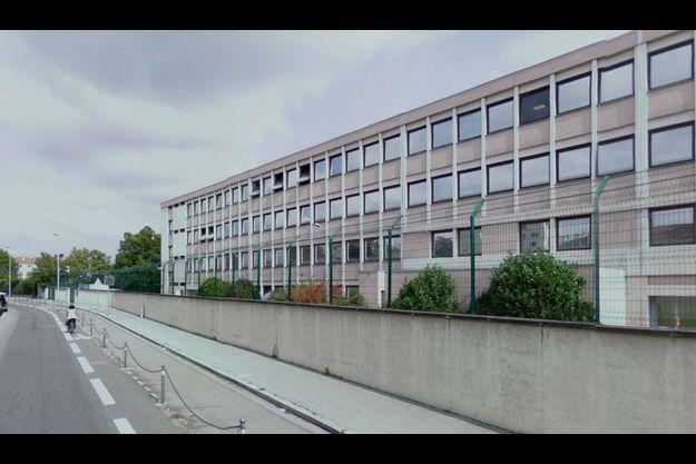 C'est à proximité de l'école juive Beth Menahem que l'agression a eu lieu.