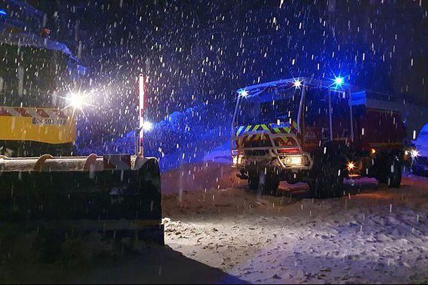 Grâce aux pompiers, la circulation a pu être rétablie dans la nuit.