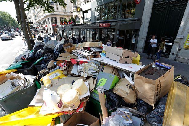 Les ordures jonchent certains quartiers de la capitale