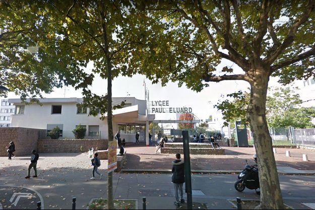 Devant le lycée Paul-Eluard de Saint-Denis (photo d'illustration).