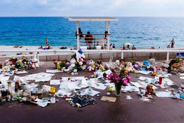 Mémorial sur La Promenade des Anglais, en août 2016.