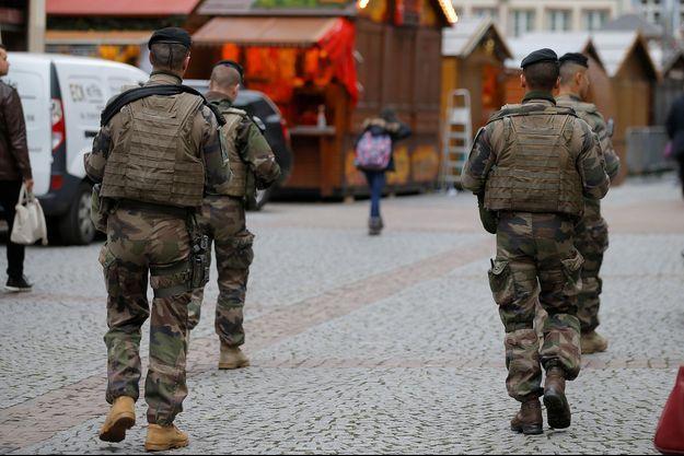 Des militaires à Strasbourg après l'attentat.