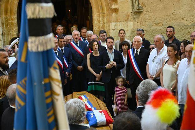 Aux obsèques de Jean-Mathieu Michel à Signes, vendredi.
