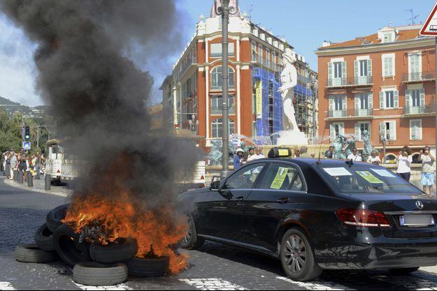 Manifestation de taxis à Nice en juin 2015