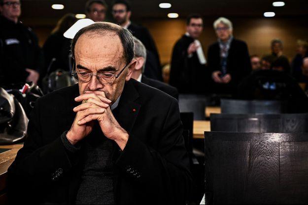 Le cardinal Barbarin le 7 janvier 2018 devant la cour à Lyon.