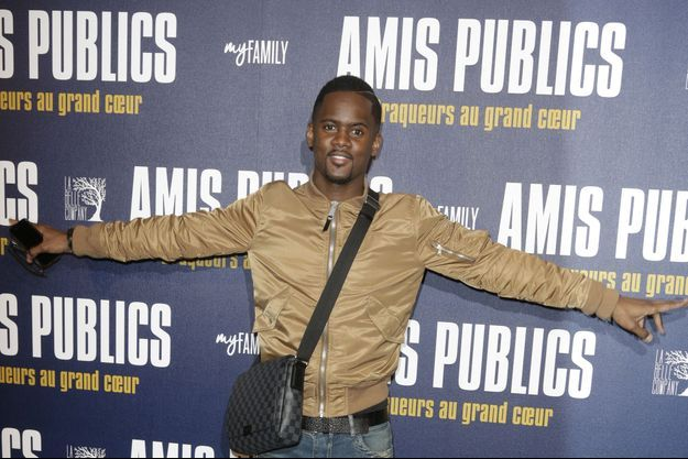 Le rappeur Black M lors de l'avant premiere de 'Amis Publics' a l'UGC Normandie, à Paris, le 1er Février 2016.