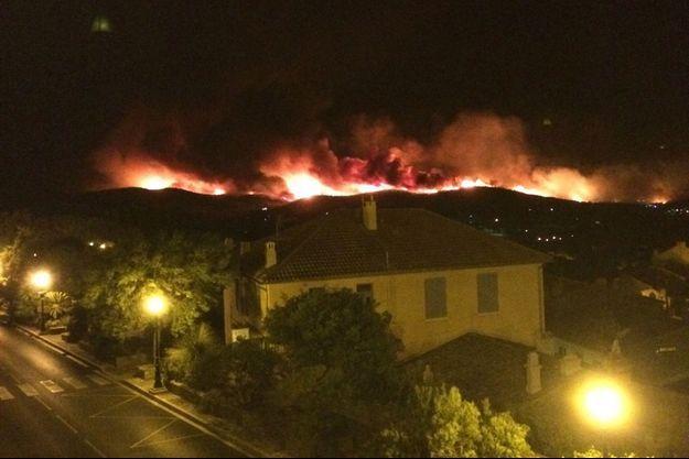Le feu s'est propagé à une vitesse folle sur les hauteurs de Bormes-les-Mimosas.