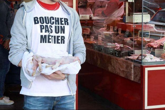 Un militant antispéciste à Paris, en septembre 2018.