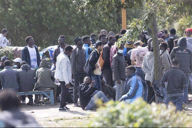 A Calais.