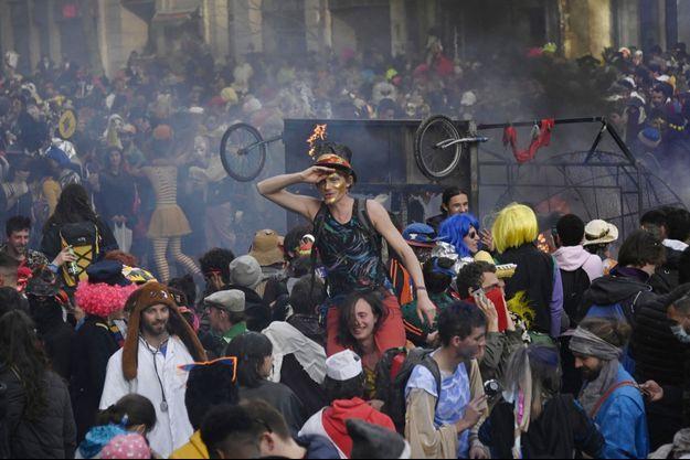 Le carnaval avait rassemblé près de 6000 personnes.