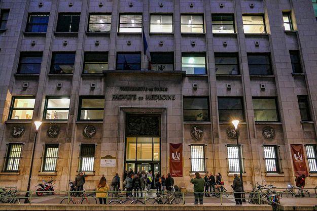 Une information judiciaire a été ouverte pour atteinte à l'intégrité d'un cadavre dans l'affaire du charnier de l'université Paris-Descartes.