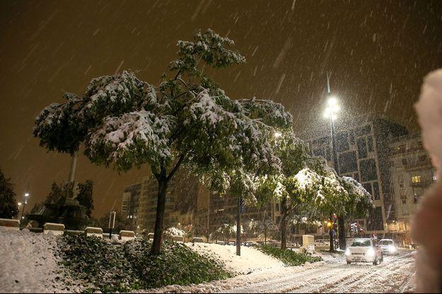 La neige tombe à Valence, le 14 novembre.