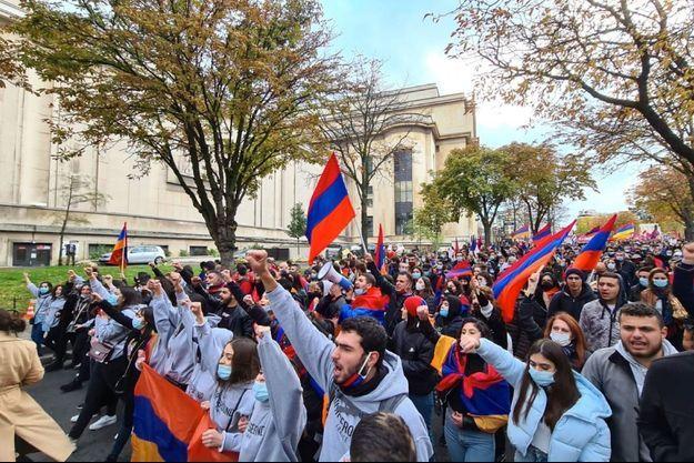 Dimanche, à Paris, près de 20 000 Français d'origine arménienne se sont rassemblés.