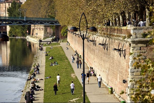 Le masque sera obligatoire à Toulouse, comme sur le quai Lucien Lombard.