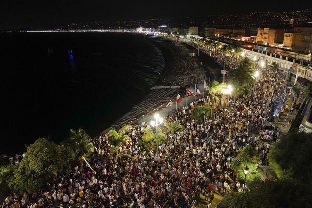 La foule réunie pour le concert de The Avener, samedi à Nice.