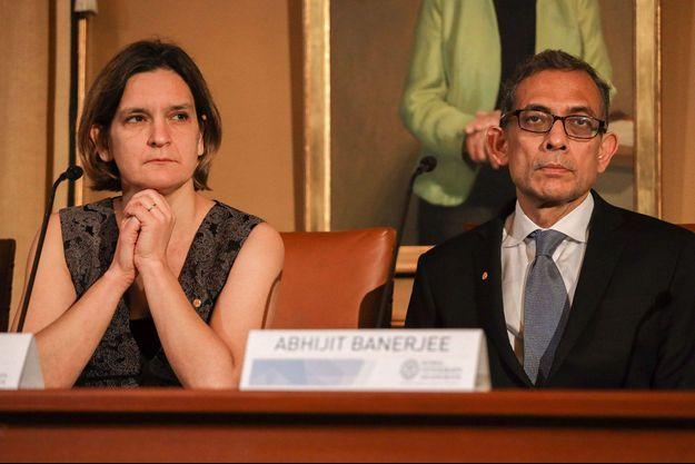 Esther Duflo et Abhijit Banerjee, les deux économistes ayant remporté le prix Nobel d'économie en 2019.
