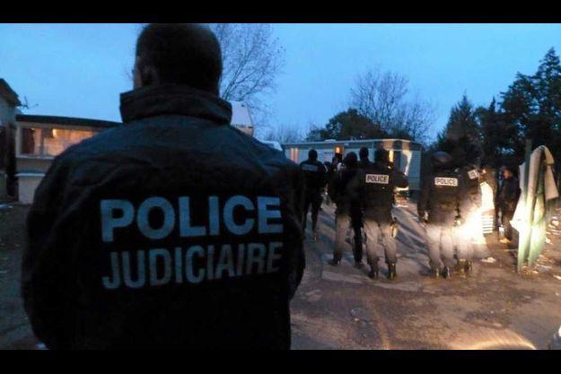 Arrestations dans un camp de Roms à Montpellier.
