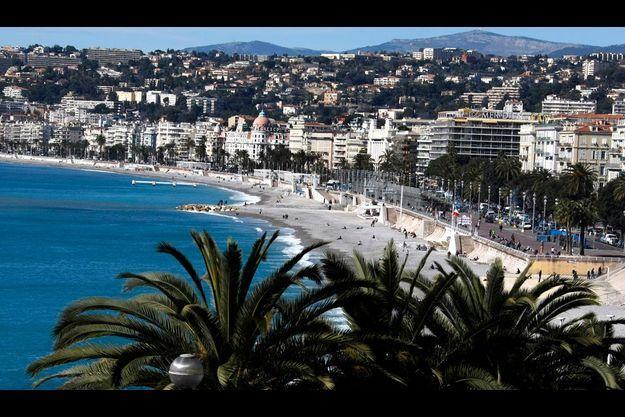 Dès ce soir, à Nice, les enfants de moins de 13 ans n'auront plus le droit de se ballader sans adulte.