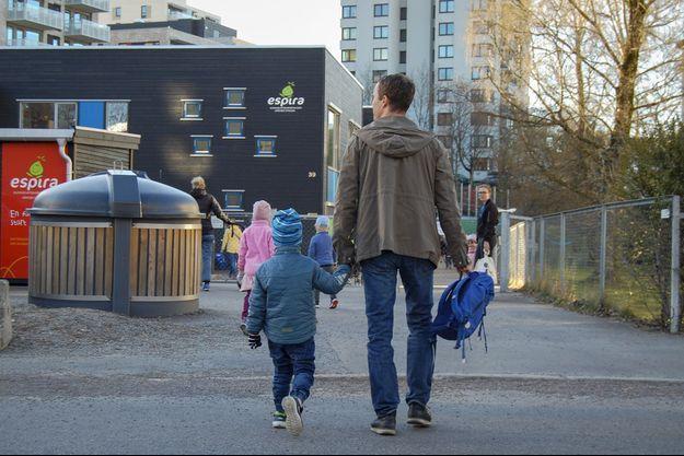 Les enfants norvégiens ont déjà repris le chemin de l'école.