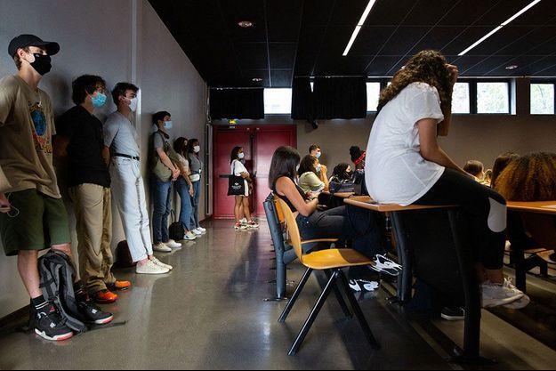 Des étudiants dans un amphithéâtre de la Sorbonne Nouvelle, à Paris, le 17 septembre.