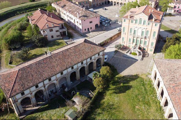Vo' Vecchio, le hameau de la commune où est enterré Adriano Trevisan, le premier mort italien du coronavirus.