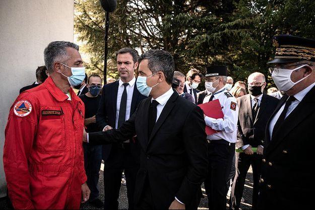 Gérald Darmanin s'est rendu à l'aérodrome de Le Versoud, en Isère.