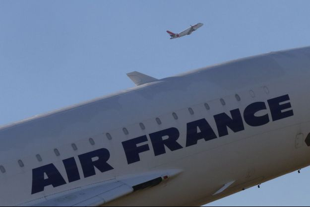 Deux personnes seront à bord du cockpit à tout moment dans les avions Air France et KLM.