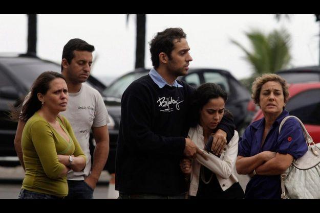 Une aide psychologique a été proposée aux familles dévastées par le drame, à Rio comme à Paris.